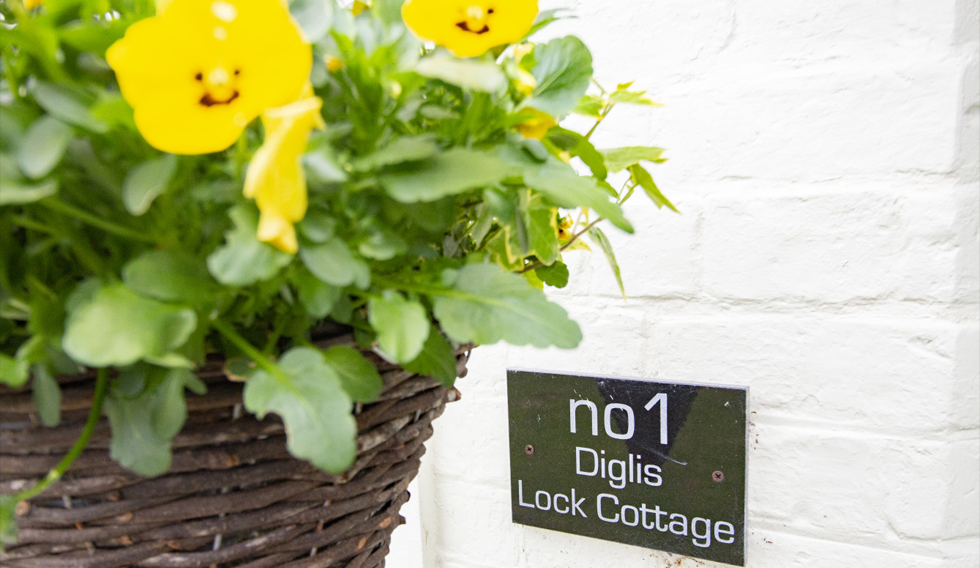 Welcome To Diglis Lock Cottage